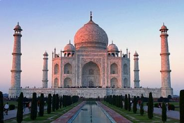 Tour from Delhi to Agra with Taj Mahal and Fatehpur Sikri visit