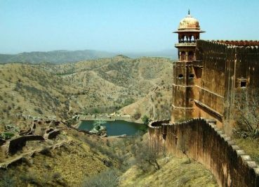 Private tour with driver from Udaipur to Mount Abu
